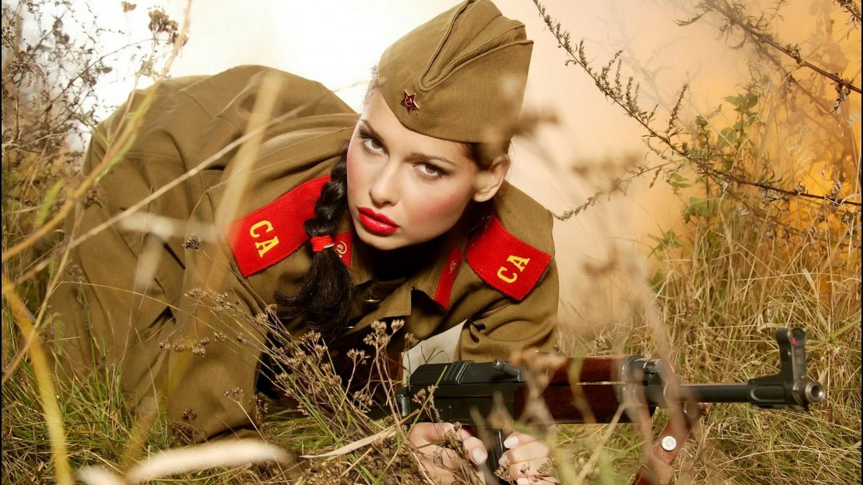 devushki-pilotka